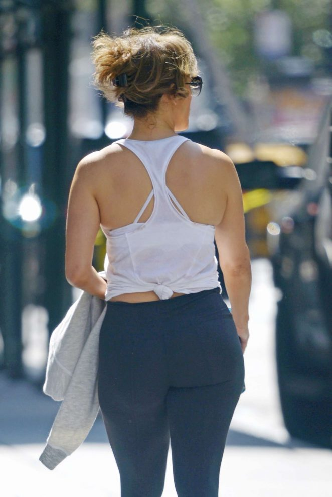 Jennifer Lopez - Hits the gym in NYC