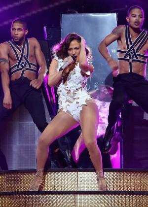 Jennifer Lopez: iHeartRadio Fiesta Latina -04