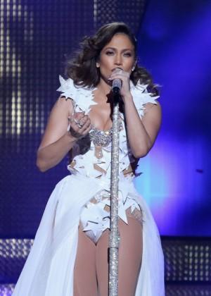 Jennifer Lopez: iHeartRadio Fiesta Latina -08