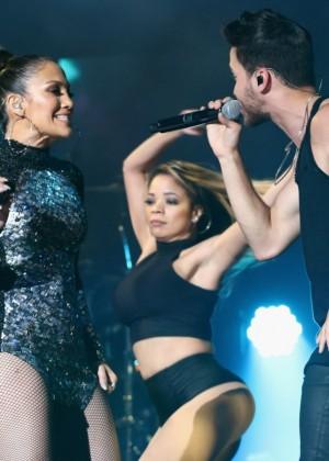 Jennifer Lopez: iHeartRadio Fiesta Latina -23