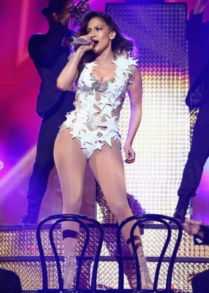 Jennifer Lopez: iHeartRadio Fiesta Latina -25