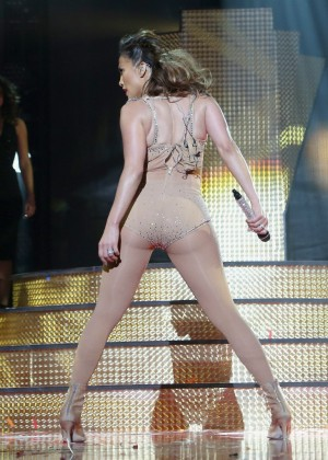 Jennifer Lopez: iHeartRadio Fiesta Latina -29