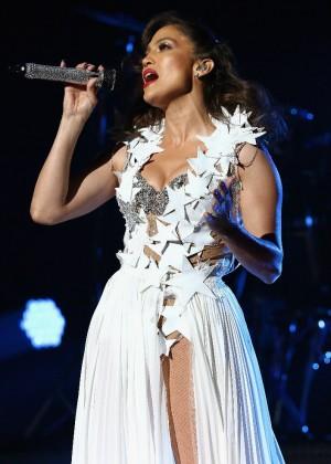 Jennifer Lopez: iHeartRadio Fiesta Latina -32