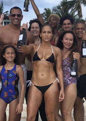 Jennifer Lopez in Bikini - Instagram