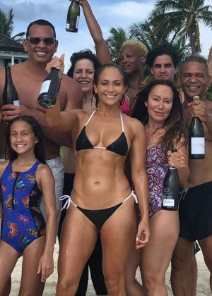 Jennifer Lopez in Bikini - Instagram