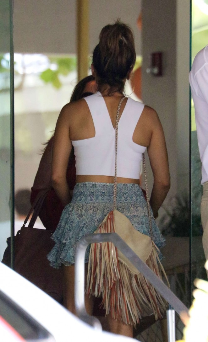 Jennifer lopez mini skirt free bisexual gangbang - Porno dive gratis ...