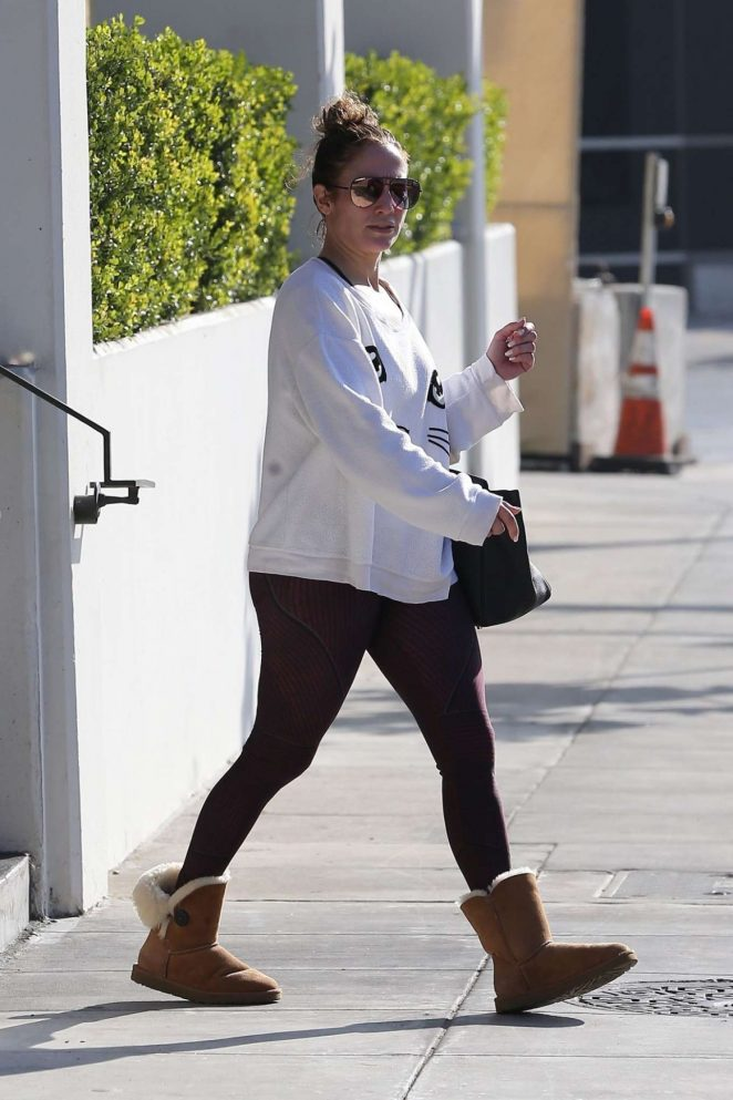 Jennifer Lopez in Spandex – Leaves a Gym in Los Angeles
