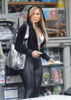 Jennifer Lopez in Spandex - On the set of 'Hustlers' in New York City