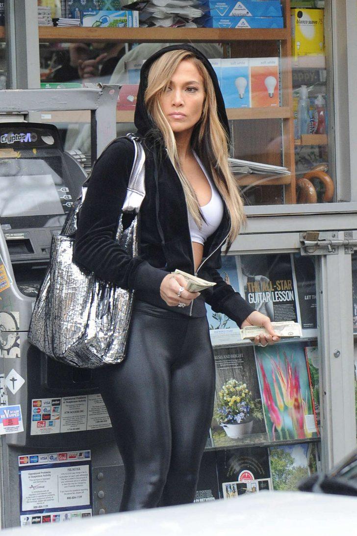 Jennifer Lopez in Spandex - On the set of 'Hustlers' in New York City
