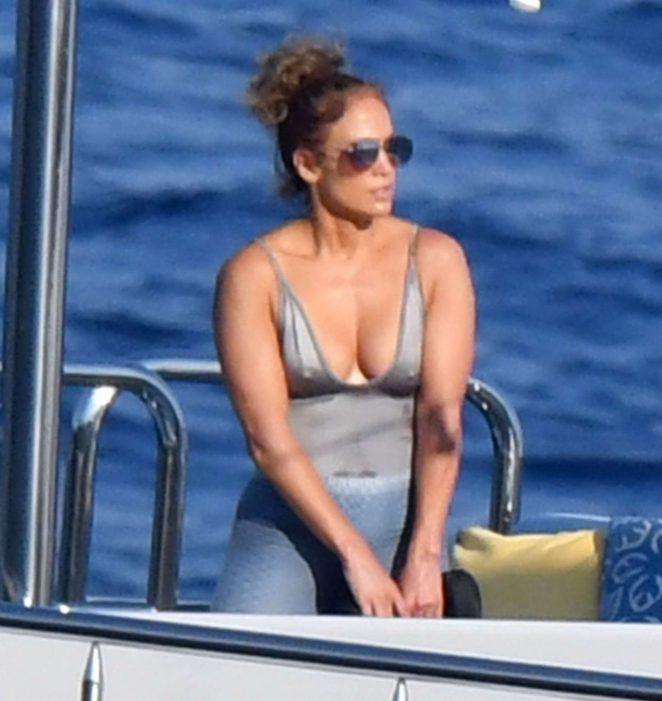 Jennifer Lopez in Swimsuit 2018 -24