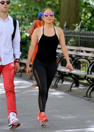 Jennifer Lopez in Tights Heading to a gym in NY
