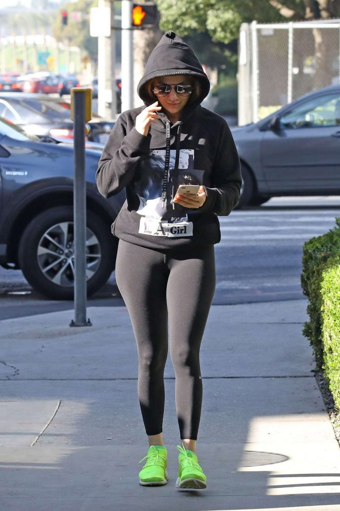Jennifer Lopez in Tights - Heads to a weekend workout in LA