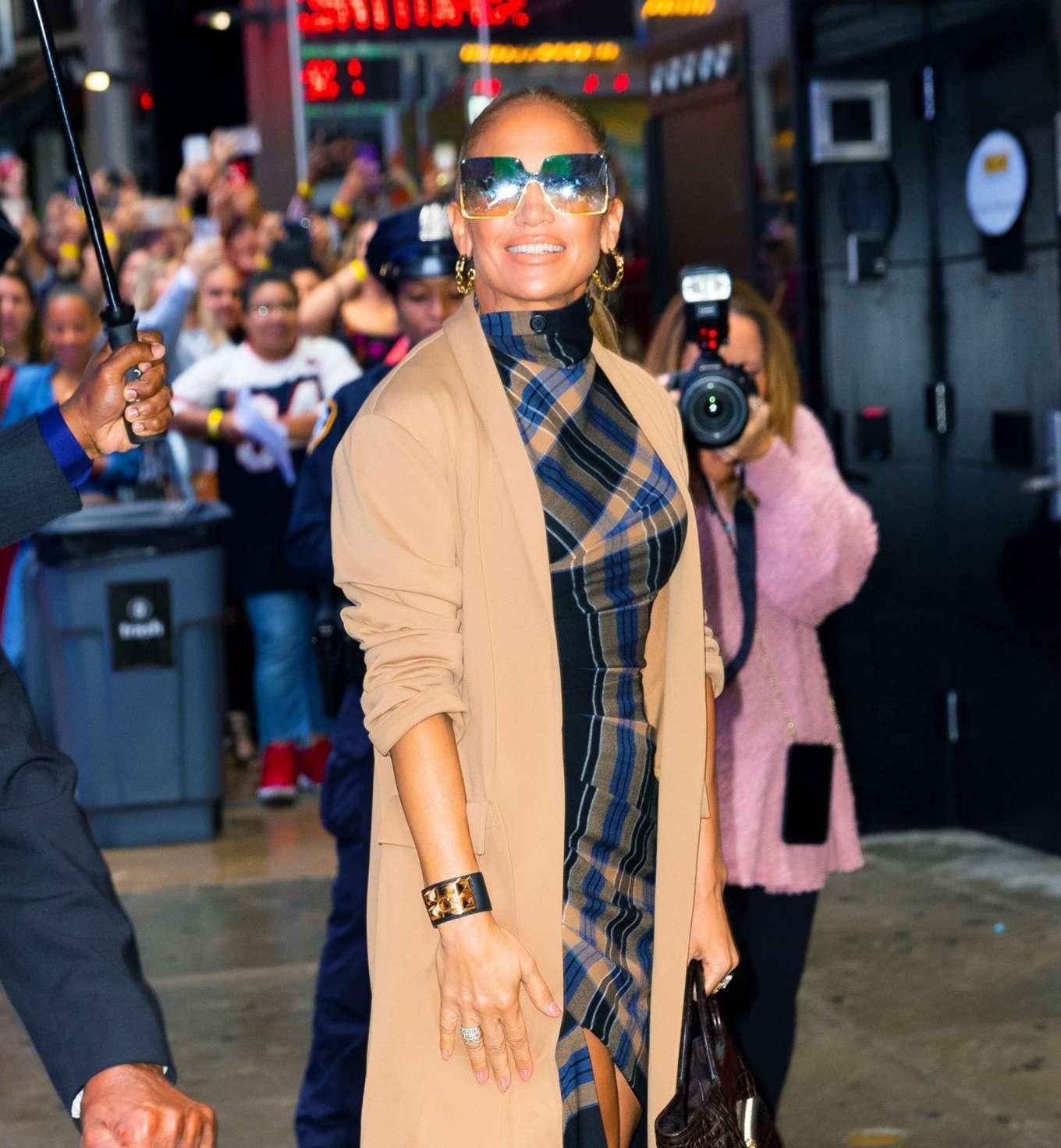 Jennifer Lopez 2019 : Jennifer Lopez is seen arriving at Good Morning America-02