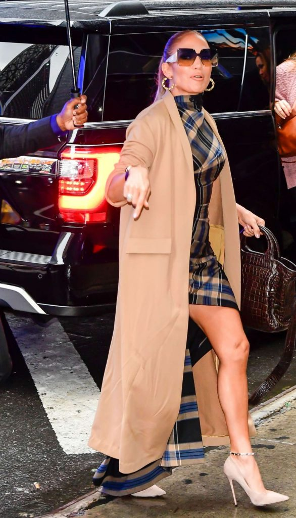 Jennifer Lopez 2019 : Jennifer Lopez is seen arriving at Good Morning America-03