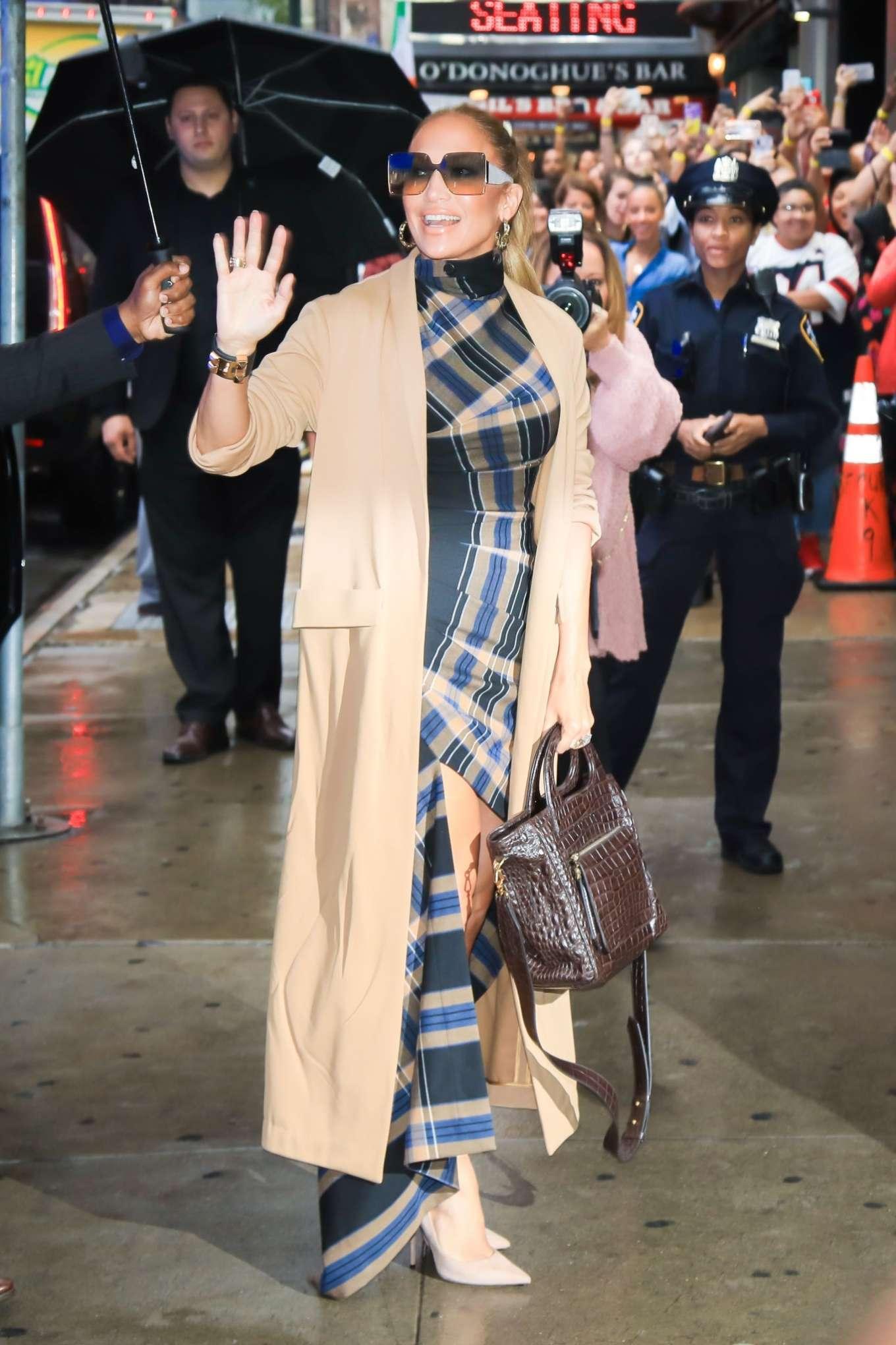 Jennifer Lopez 2019 : Jennifer Lopez is seen arriving at Good Morning America-04