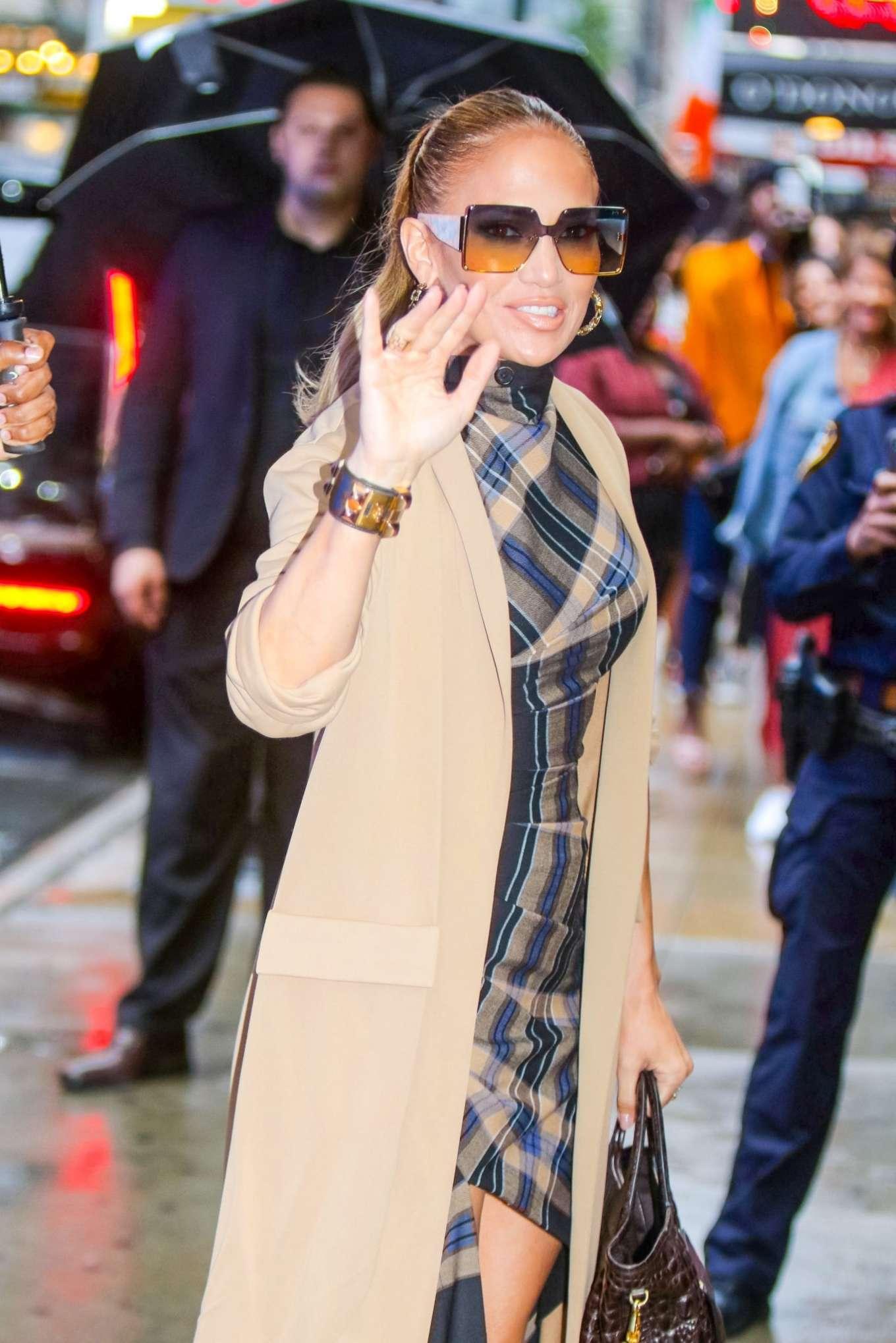Jennifer Lopez 2019 : Jennifer Lopez is seen arriving at Good Morning America-07