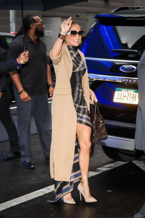 Jennifer Lopez 2019 : Jennifer Lopez is seen arriving at Good Morning America-08