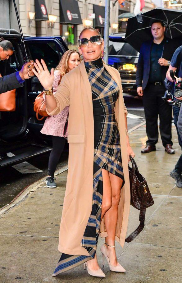 Jennifer Lopez 2019 : Jennifer Lopez is seen arriving at Good Morning America-13