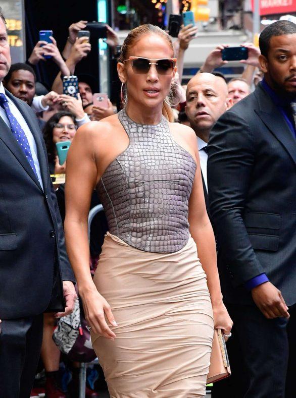 Jennifer Lopez 2019 : Jennifer Lopez is seen leaving Good Morning America-04