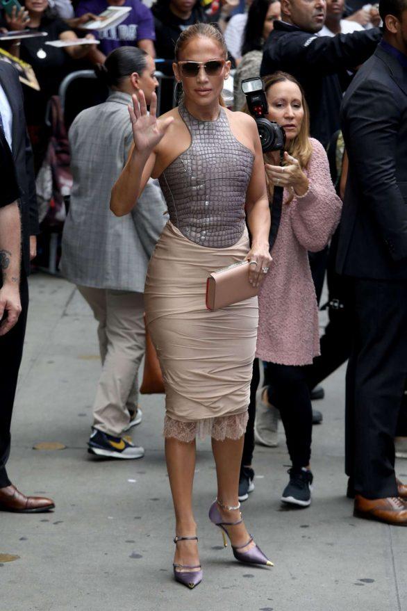 Jennifer Lopez 2019 : Jennifer Lopez is seen leaving Good Morning America-11