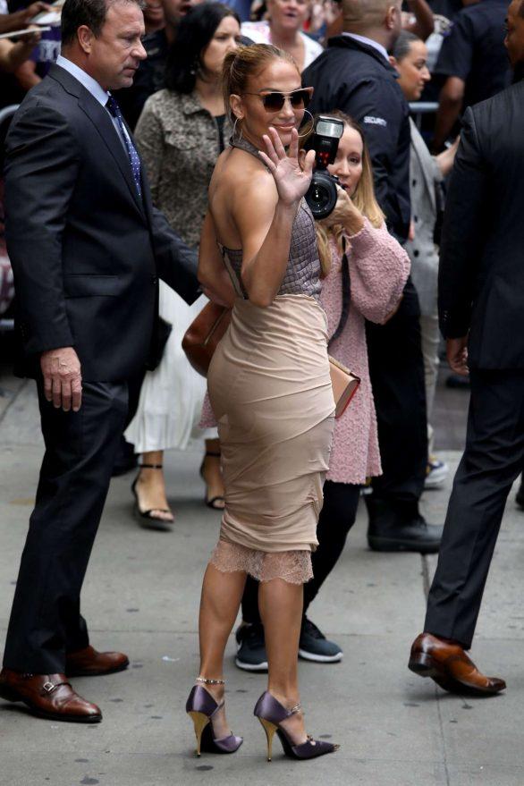 Jennifer Lopez 2019 : Jennifer Lopez is seen leaving Good Morning America-15