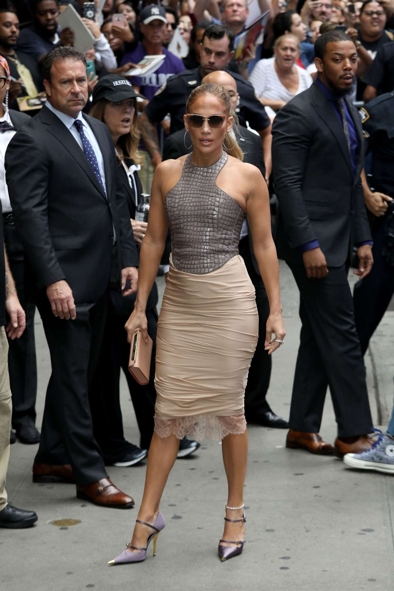 Jennifer Lopez 2019 : Jennifer Lopez is seen leaving Good Morning America-18