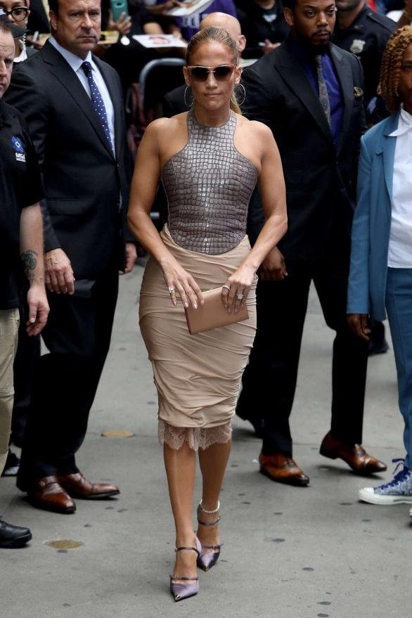 Jennifer Lopez 2019 : Jennifer Lopez is seen leaving Good Morning America-20
