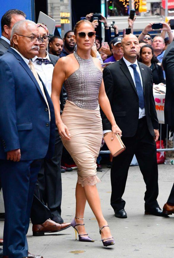 Jennifer Lopez 2019 : Jennifer Lopez is seen leaving Good Morning America-28