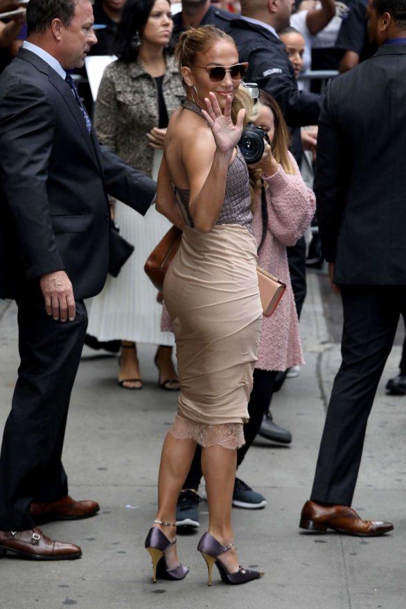Jennifer Lopez 2019 : Jennifer Lopez is seen leaving Good Morning America-30