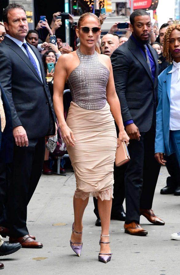 Jennifer Lopez 2019 : Jennifer Lopez is seen leaving Good Morning America-32