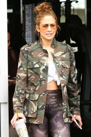 Jennifer Lopez - Leaves a gym with friends in Miami