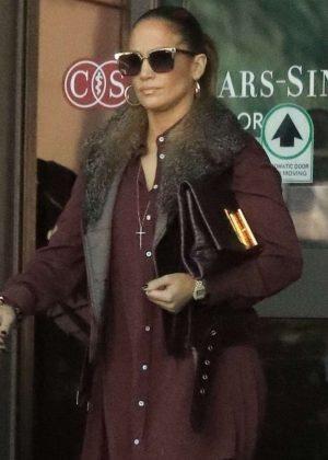 Jennifer Lopez - Leaves doctors office in Beverly Hills