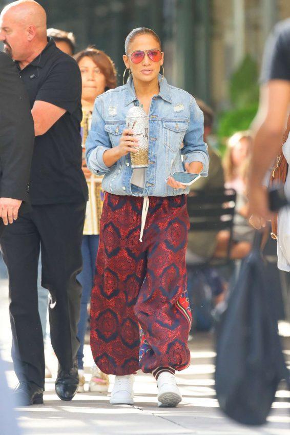 Jennifer Lopez - Leaves for her Madison Square Garden concert in New York City