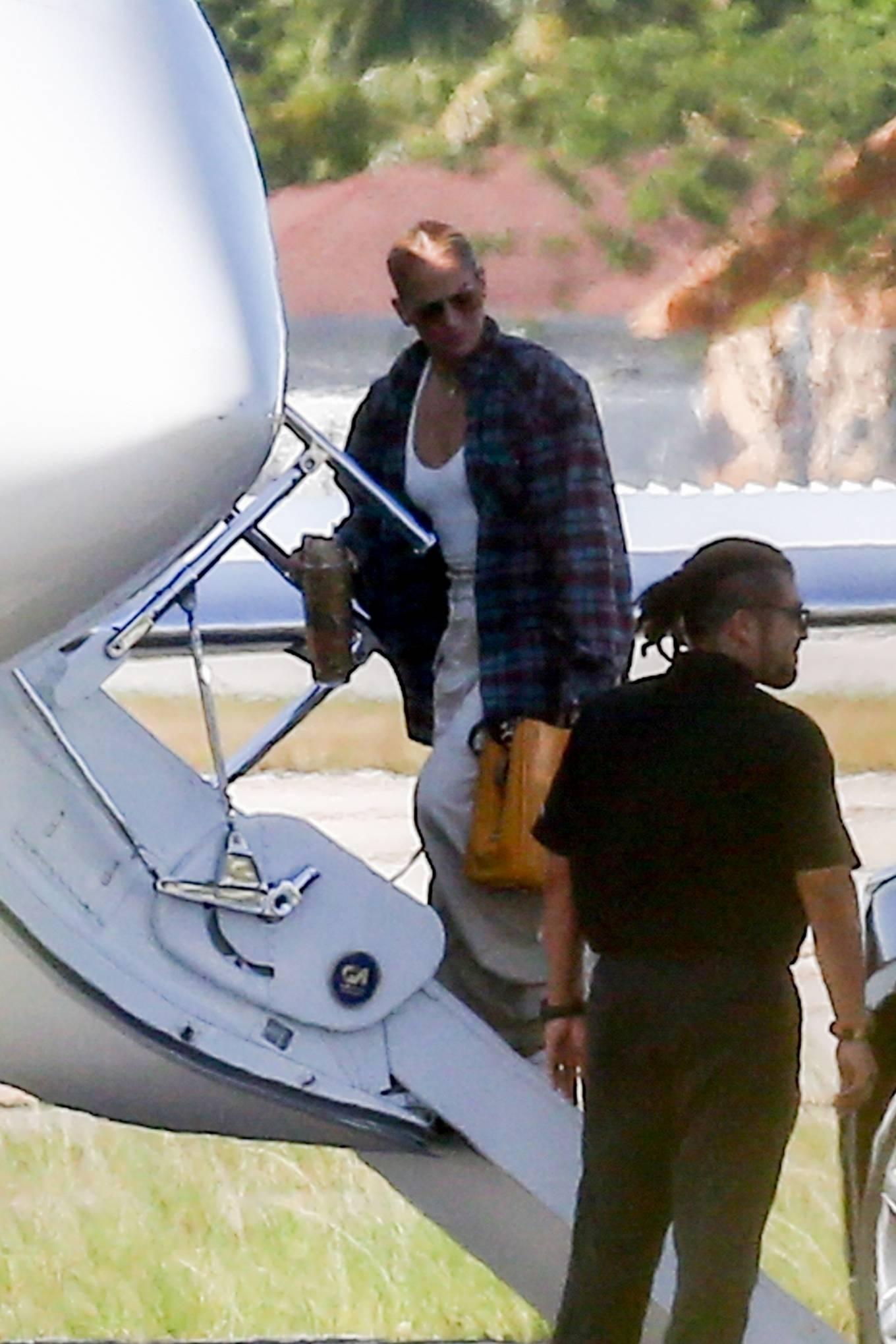 Jennifer Lopez - Leaves Miami