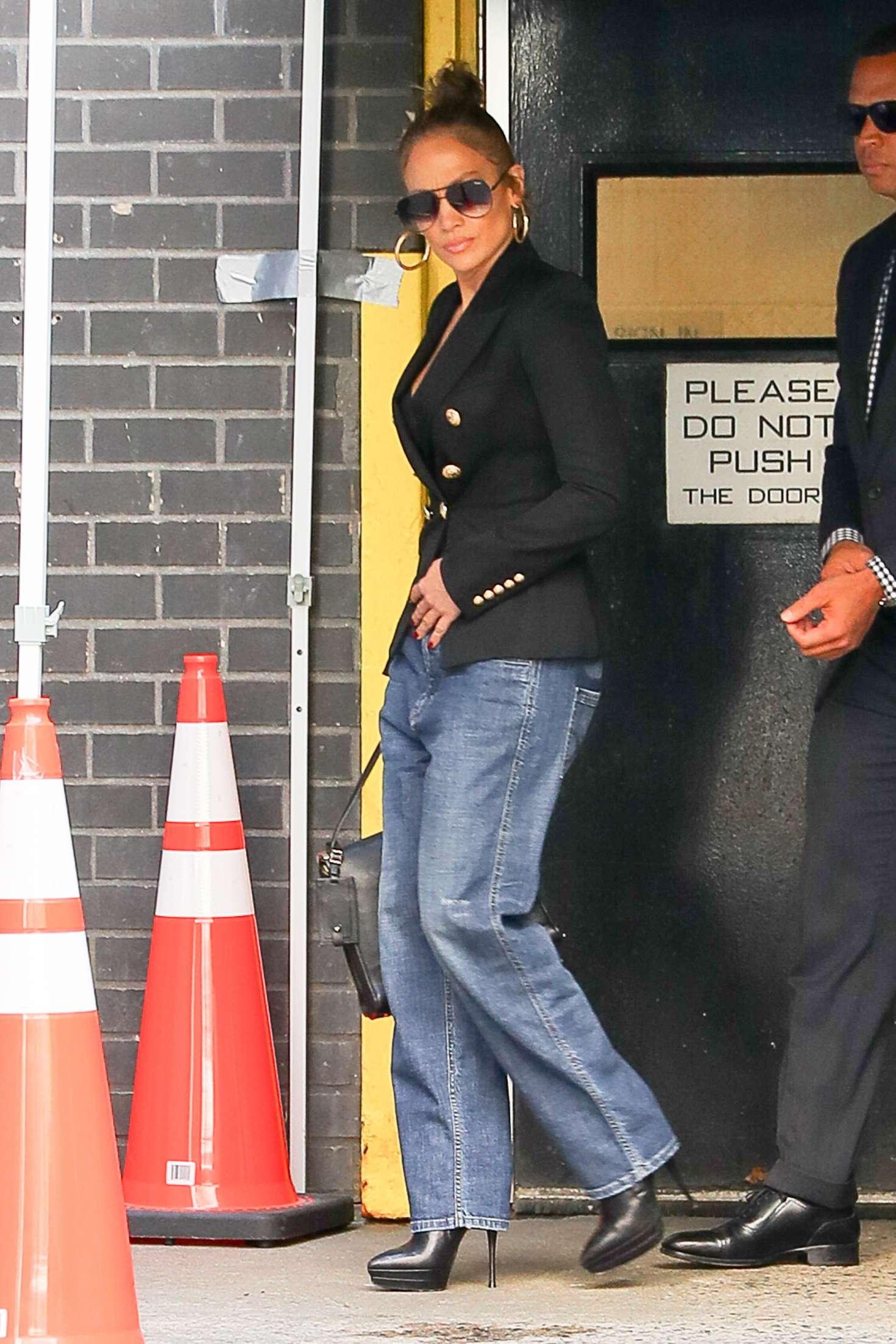 Jennifer Lopez - Leaving Dos Caminos restaurant in New York City