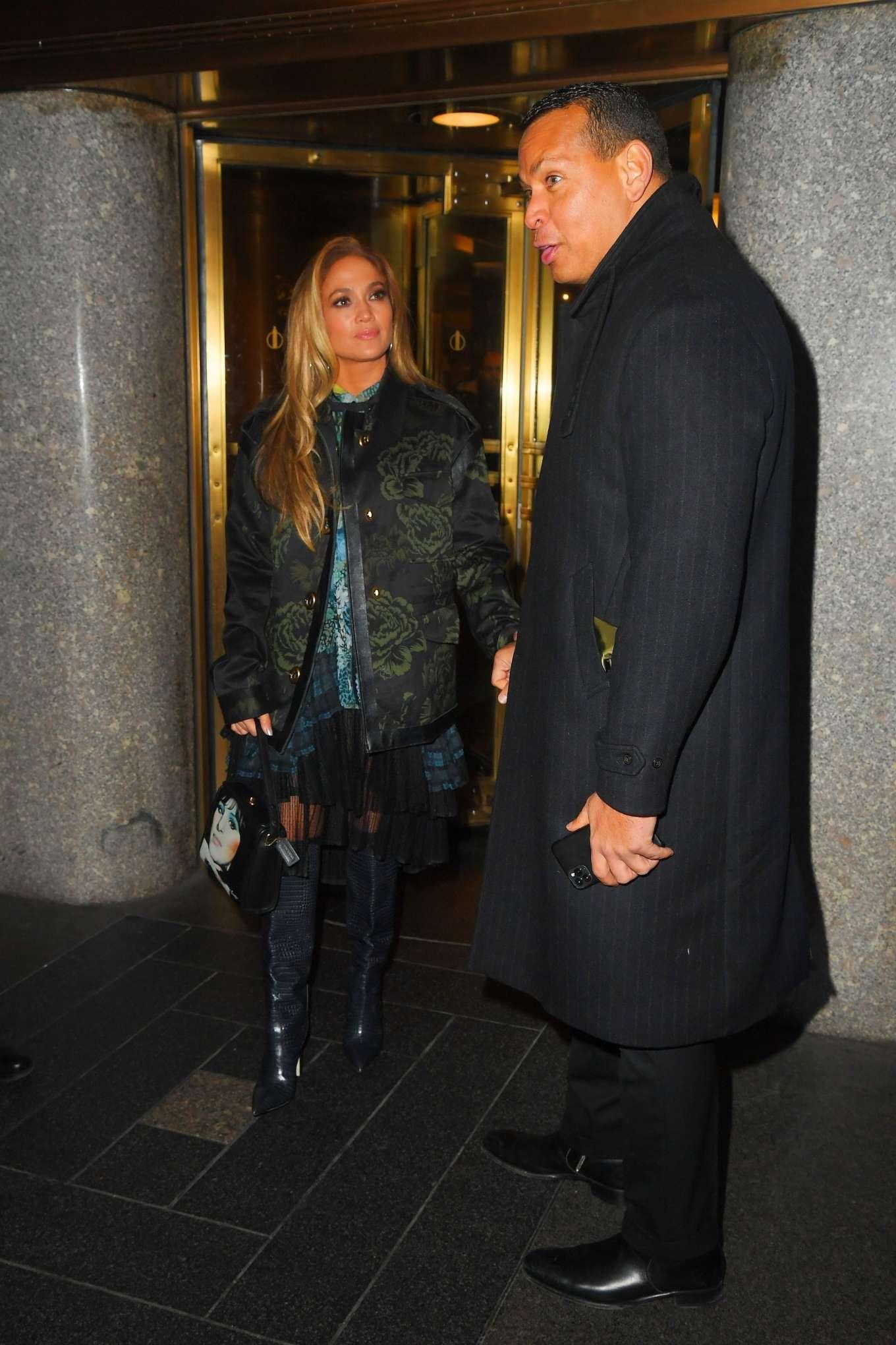 Jennifer Lopez 2019 : Jennifer Lopez – Leaving Saturday Night Live Rrehearsals-03