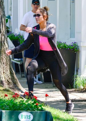 Jennifer Lopez Leaving the gym in the Hamptons