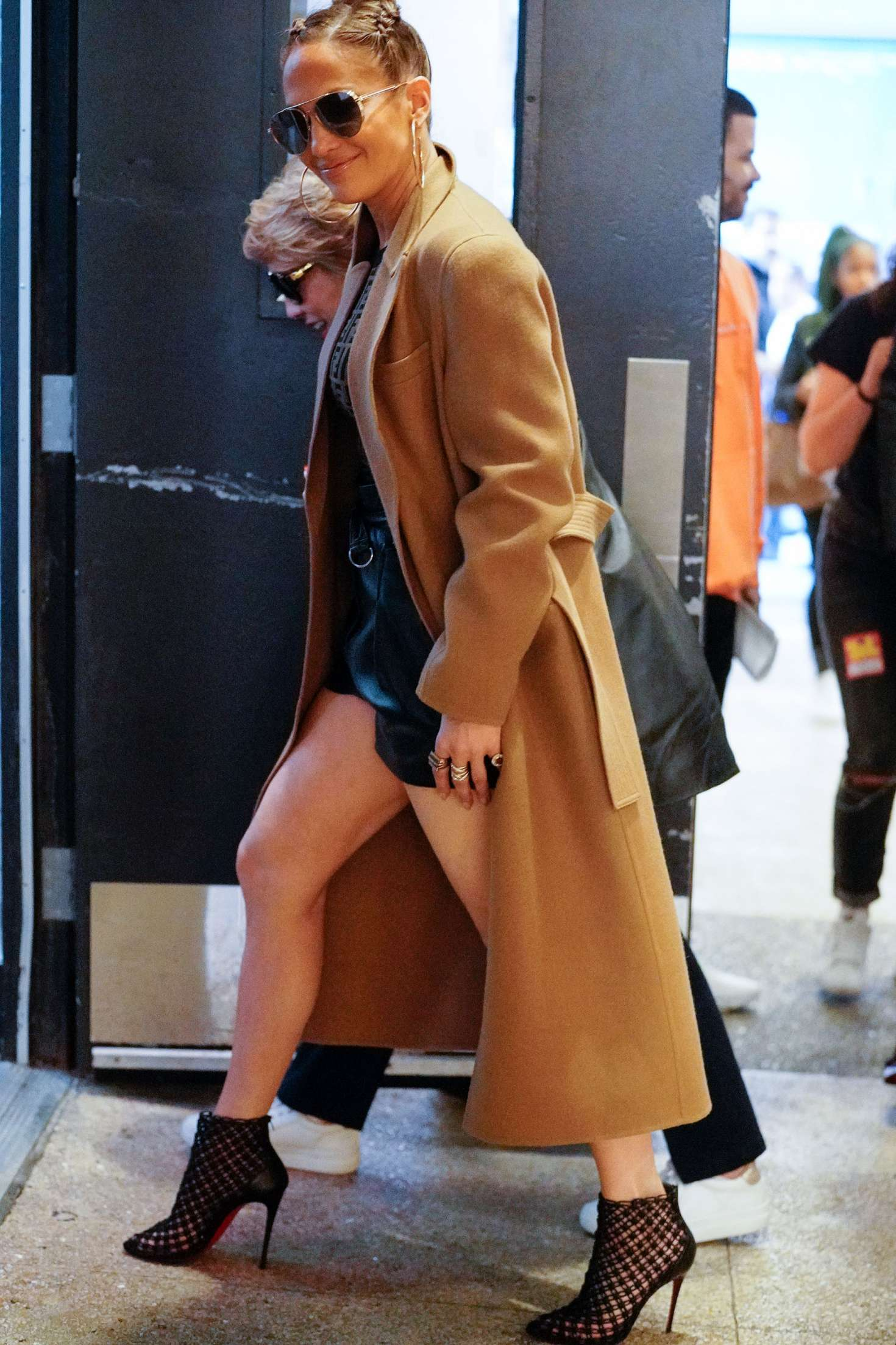 Jennifer Lopez - Leaving TRL in New York