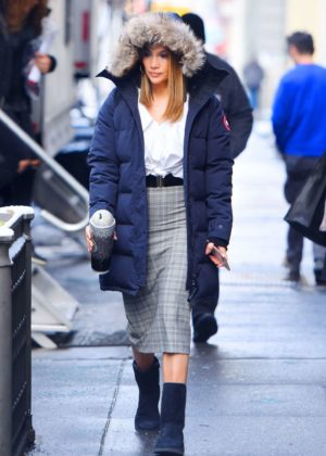 Jennifer Lopez - On set of 'Second Act' in New York