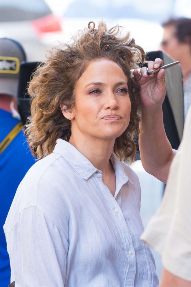 Jennifer Lopez - On Shades of Blue set in New York