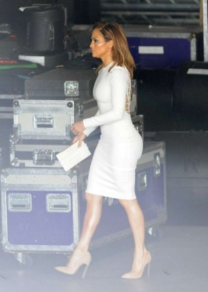 Jennifer Lopez in Tight Dress -03