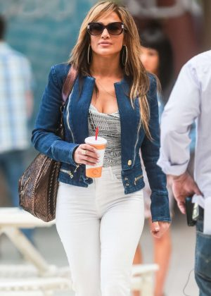 Jennifer Lopez - On the set of 'Hustlers' in New York