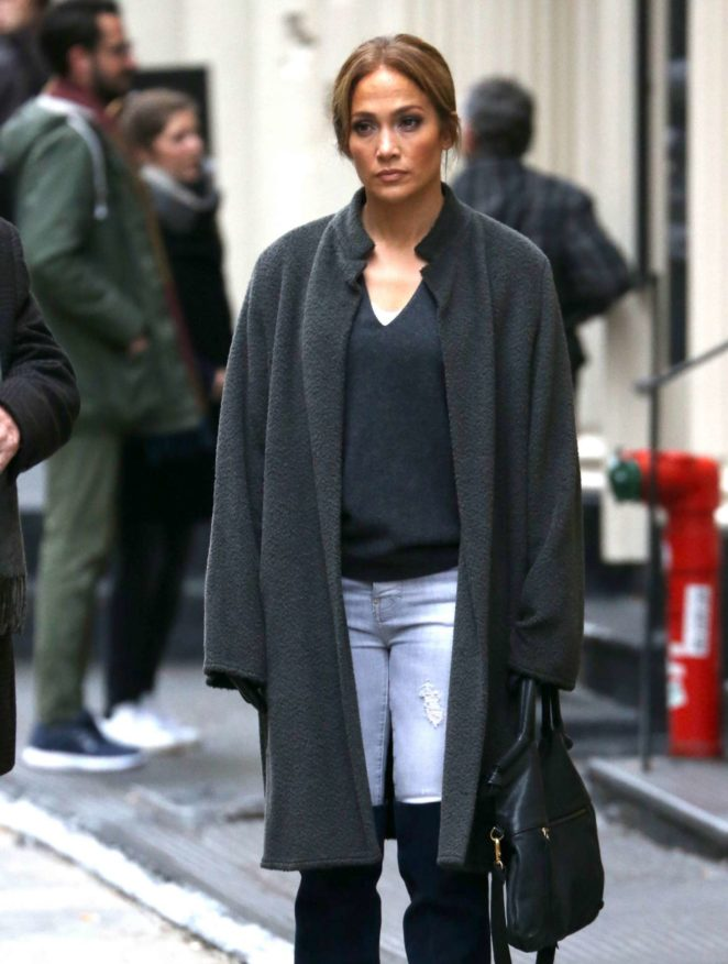 Jennifer Lopez - On the set of 'Second Act' in New York City