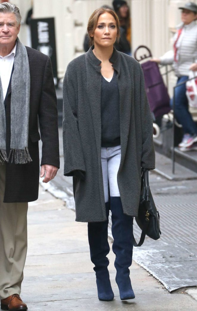 Jennifer Lopez – On the set of Second Act in New York City -10