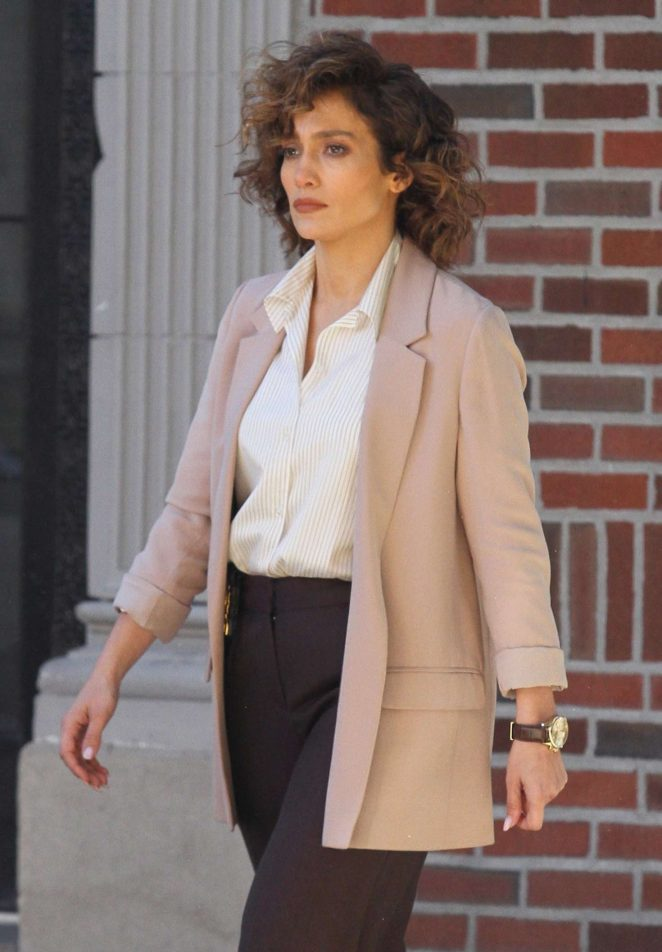 Jennifer Lopez – On the set of 'Shades of Blue' in Astoria