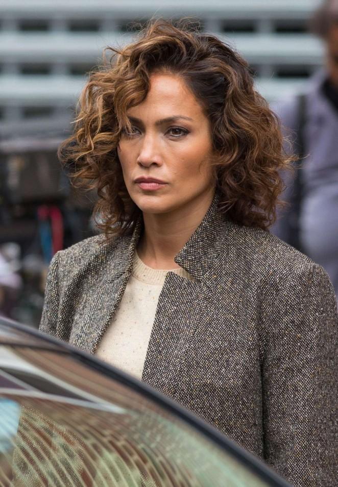 Jennifer Lopez 2015 : Jennifer Lopez on the Set of Shades of Blue -02