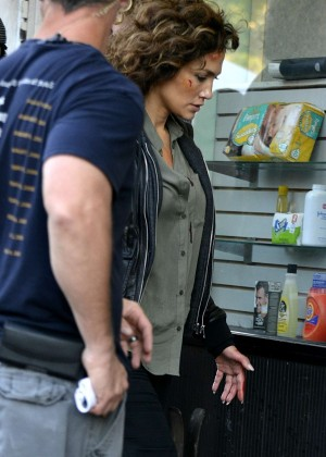Jennifer Lopez - On the set of 'Shades of Blue' in NYC