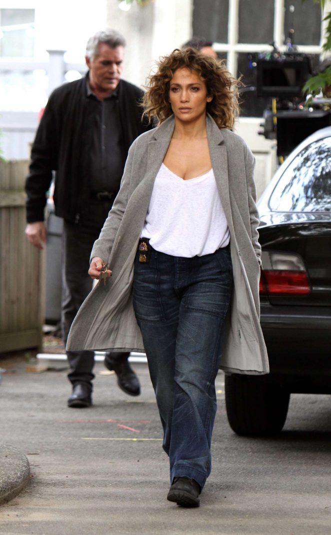 Jennifer Lopez - On the set of 'Shades of Blue' in Queens