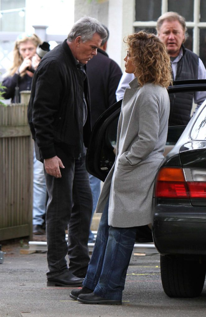 Jennifer Lopez: On the set of Shades of Blue in Queens -10