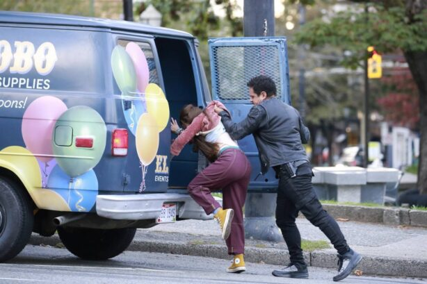 Jennifer Lopez - On the set of 'The Mother' in Vancouver